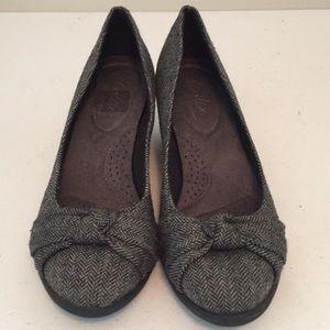 Dexflex herringbone wedge shoes